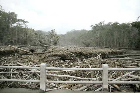 Kondisi Kali Kuning di Cangkringan, Sleman saat bencana erupsi Merapi 2010