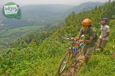 mangunan bantul dlingo terong tanjakan hutan pinus getuk tiwul mbok sum triati alam sepeda imogiri wisata kebun