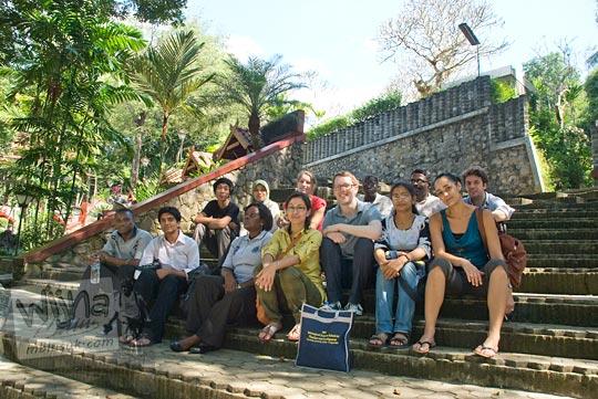 CRCS summer school visit Sendangsono for lunch