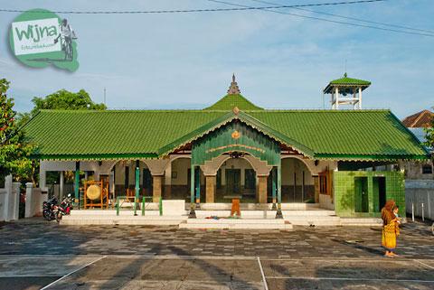masjid pathok negoro yogyakarta, ad-darojat babadan, di babadan,  banguntapan di tahun 2010