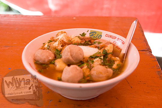 Harga satu porsi Bakso Lombok Uleg pak Yitno Temanggung yang terkenal pedas pakai cabai rawit di tahun 2008