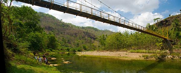 Jembatan gantung di desa Selopamioro yang melintasi Kali Oyo sering digunakan untuk iklan hotel Santika.