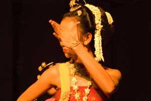 gambar/seni/dancer1_tb.jpg?t=20190422110251346