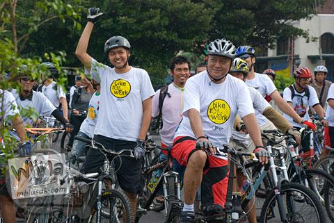komunitas Bike 2 Work Yogyakarta ikut meramaikan acara Serangan Sepeda 1 Maret 2009 di kota Yogyakarta