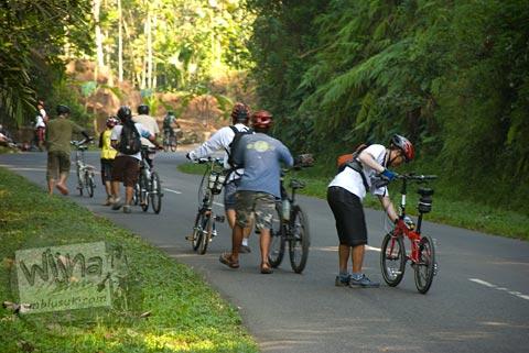 Foto Tanjakan Bendo saat Bersepeda ke Candi Borobudur bareng Jogja Folding Bike di tahun 2009