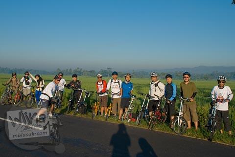 Foto sepeda lipat saat Bersepeda ke Candi Borobudur bareng Jogja Folding Bike di tahun 2009