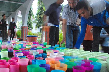 berburu takjil di masjid kampus ugm, yogyakarta