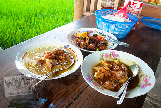 ragam menu masakan di warung kambing sor talok dekat manding desa trirenggo bantul