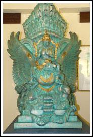 Foto Miniatur dari Garuda Wisnu Kencana di Taman Garuda Wisnu Kencana di Bali pada Februari 2009