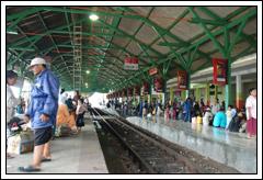 Foto Stasiun Wonokromo, Surabaya zaman dulu tahun 2008
