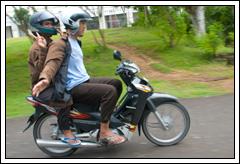 Foto Adegan Sepeda Motor Berbahaya zaman dulu tahun 2008