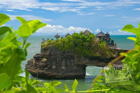 Foto Pura Watu Bolong di Hari Pertama Keliling Bali pada Februari 2009