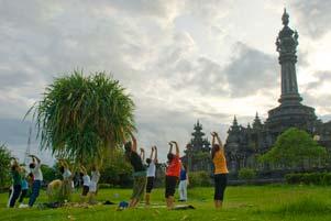 Sore-sore di Lapangan Niti Mandala Denpasar