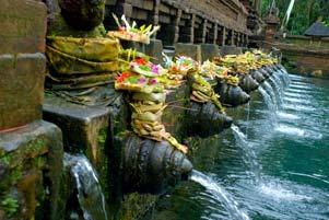 Tour de Bali 2009: Hari Kedua di Tirta Empul