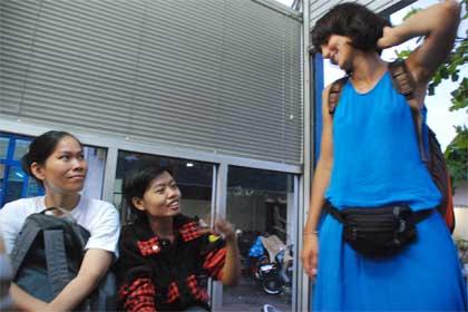 pengalaman pribadi transjogja giwangan bus halte terminal