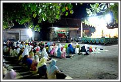 Pengajian Isra Miraj di desa Kebondalem Kidul, Prambanan, Klaten di tahun 2008